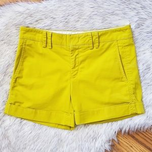 Vince. Green Chartreuse Cuffed Shorts Size 0